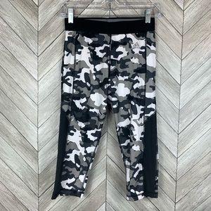 Adidas camo capris leggings